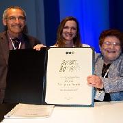 """ברכות לפרופ' אסתר סגל (Ph.D.) על קבלת תואר """"עמית של כבוד"""" מטעם הפקולטה לרפואה"""