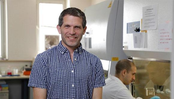 """פוגשים חוקר: ד""""ר בן מעוז יסביר אודות חלופה אפשרית לניסויים בבעלי חיים - אברים על שבבים"""