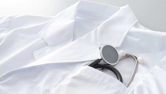 """טקס חלוק לבן - התכנית לתואר """"דוקטור לרפואה"""" לבעלי תואר ראשון"""
